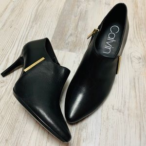 Calvin Klein Black Leather Ankle Booties 7